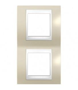 Рамка 2-я Unica Хамелеон Песчаный/Белый для вертикального монтажа