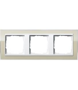Рамка 3 места Gira 213773 Event Clear для центральных вставок белого цвета цвет песка