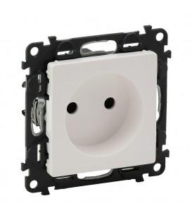 Розетка электрическая без заземления со шторками, автоматические клеммы Valena Life (белая)