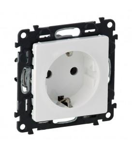 Розетка электрическая с заземлением с крышкой со шторками, автоматические клеммы Valena Life (белый)