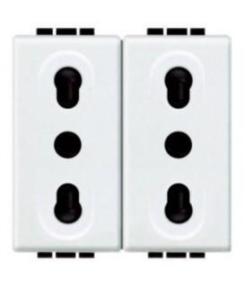 Блок из двух розеток LivingLight 2К+3, 10/16 А, 250В, расст. между центрами отверстий 19мм и 26мм, закрытого типа, 2 модуля