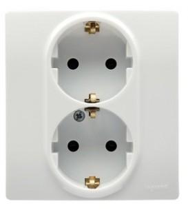 Розетка двойная Etika Plus с заземлением со шторками безвинтовые зажимы (белая)